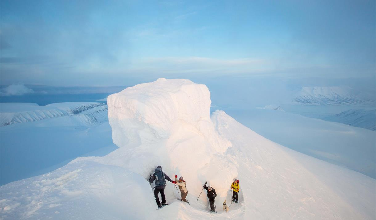 download 2Trollsteinen: Hike crossing the glaicer to the peak