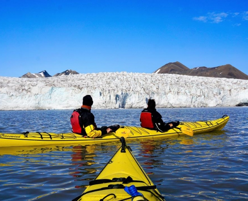 Wilderness camp: 3 days with hiking, glacier walk and kayaking