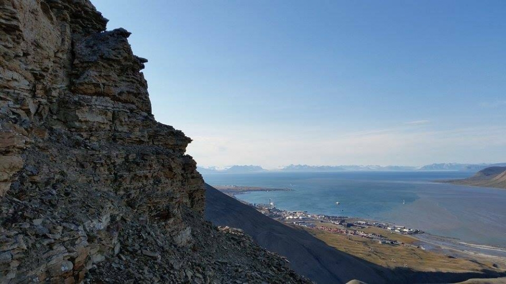 Lindholmhøgda: Hike to panorama view with Svalbard Wildlife Expeditions