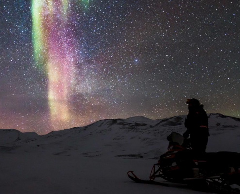 Northern Lights Safari by Snowmobile - Svalbard Adventures